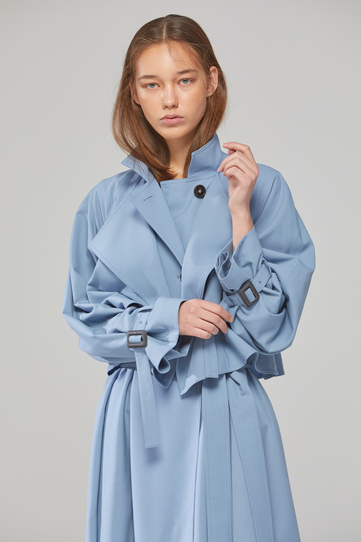 DEMERE LAYER NECK RAGLAN TRENCH COAT (BLUE)