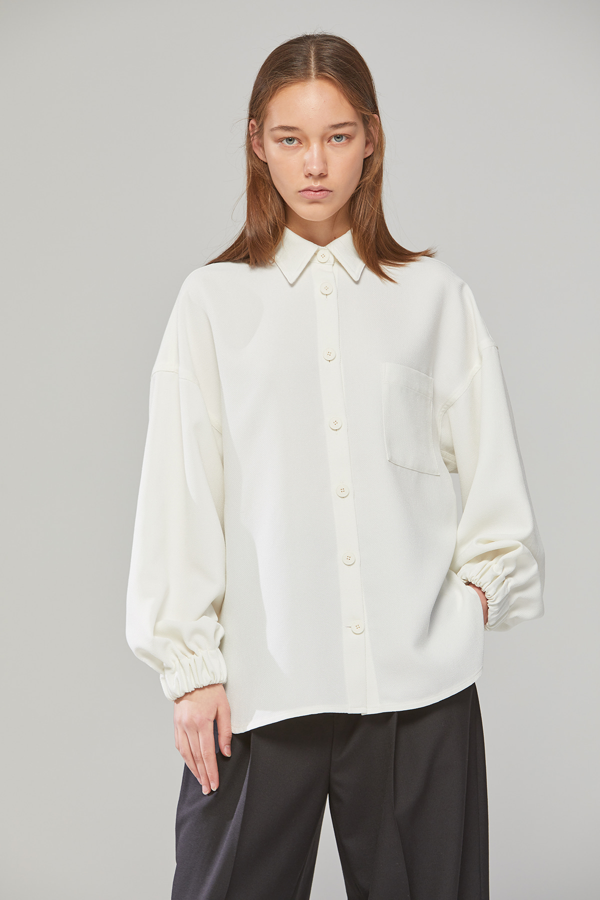 DEMERE BANDING SLEEVE SHIRT (IVORY)
