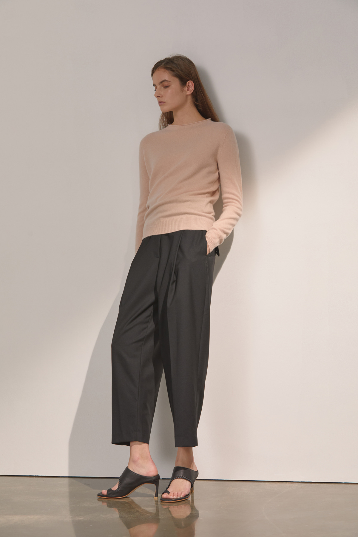 DEMERE HIGH-WAIST ONETUCK PANTS (BLACK)