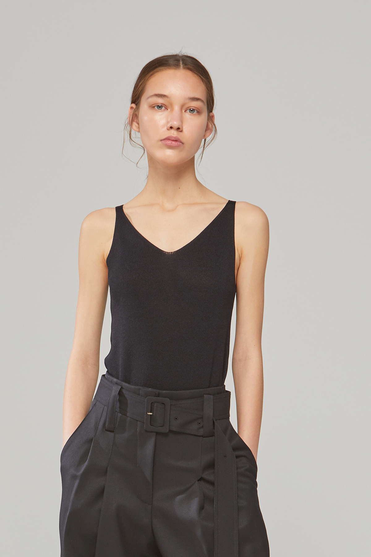 DEMERE SLEEVELESS KNIT (BLACK)