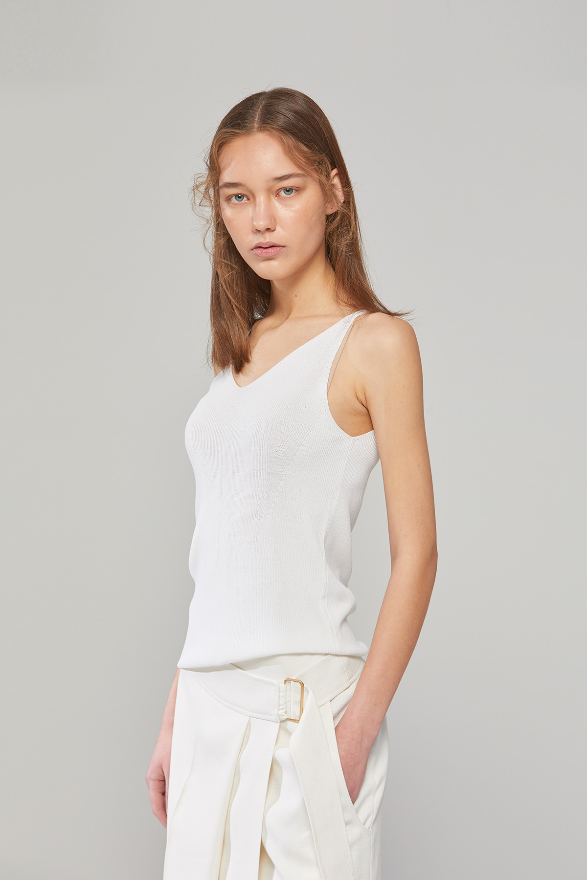 DEMERE SLEEVELESS KNIT (WHITE)