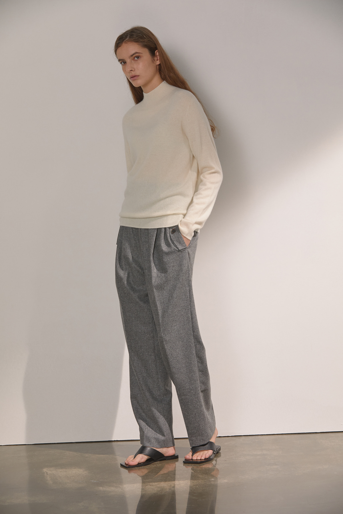 DEMERE WOOL HIGH-WAIST PINTUCK PANTS (GRAY)