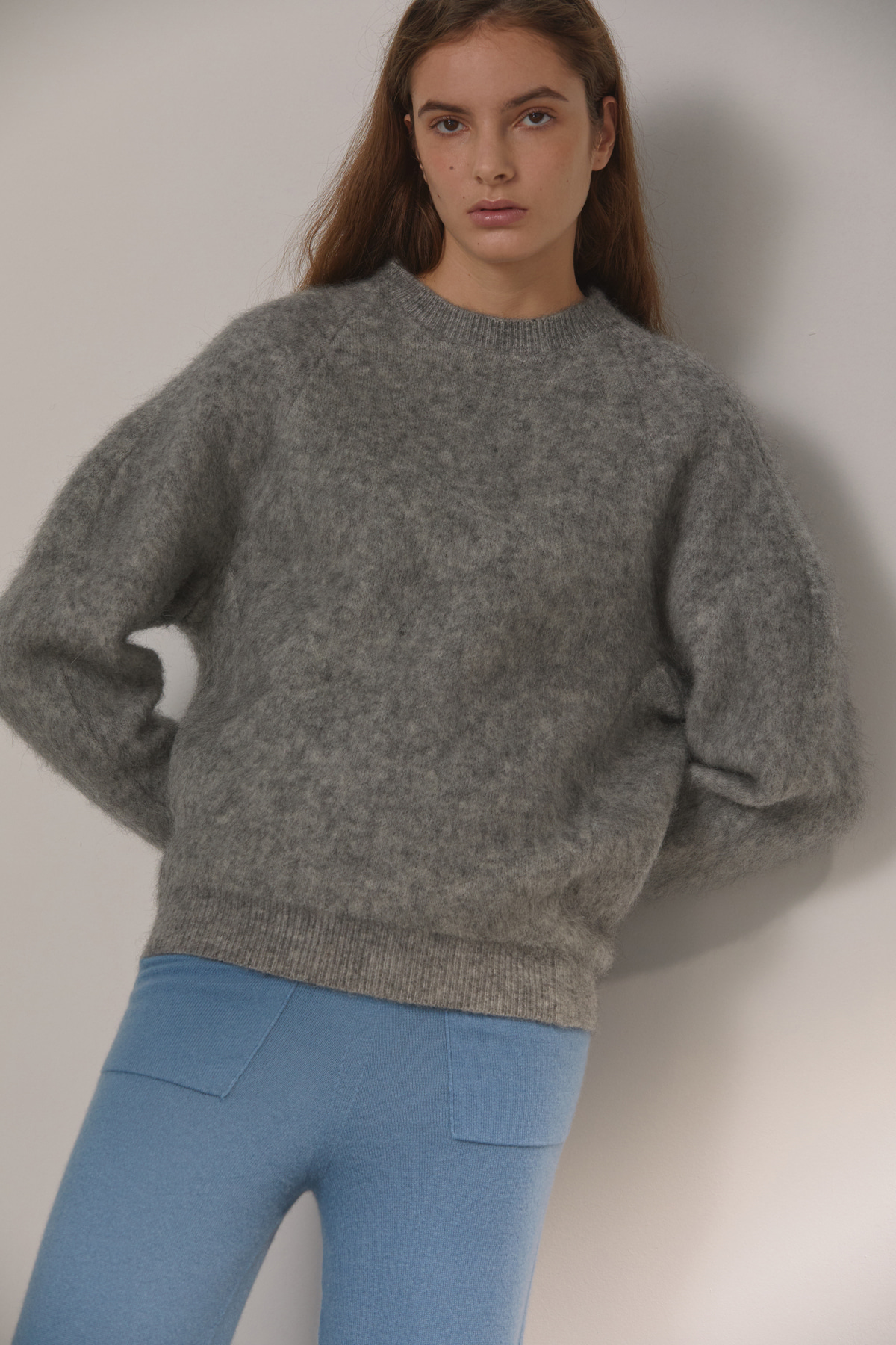 DEMERE MOHAIR CREW-NECK KNIT (GRAY)
