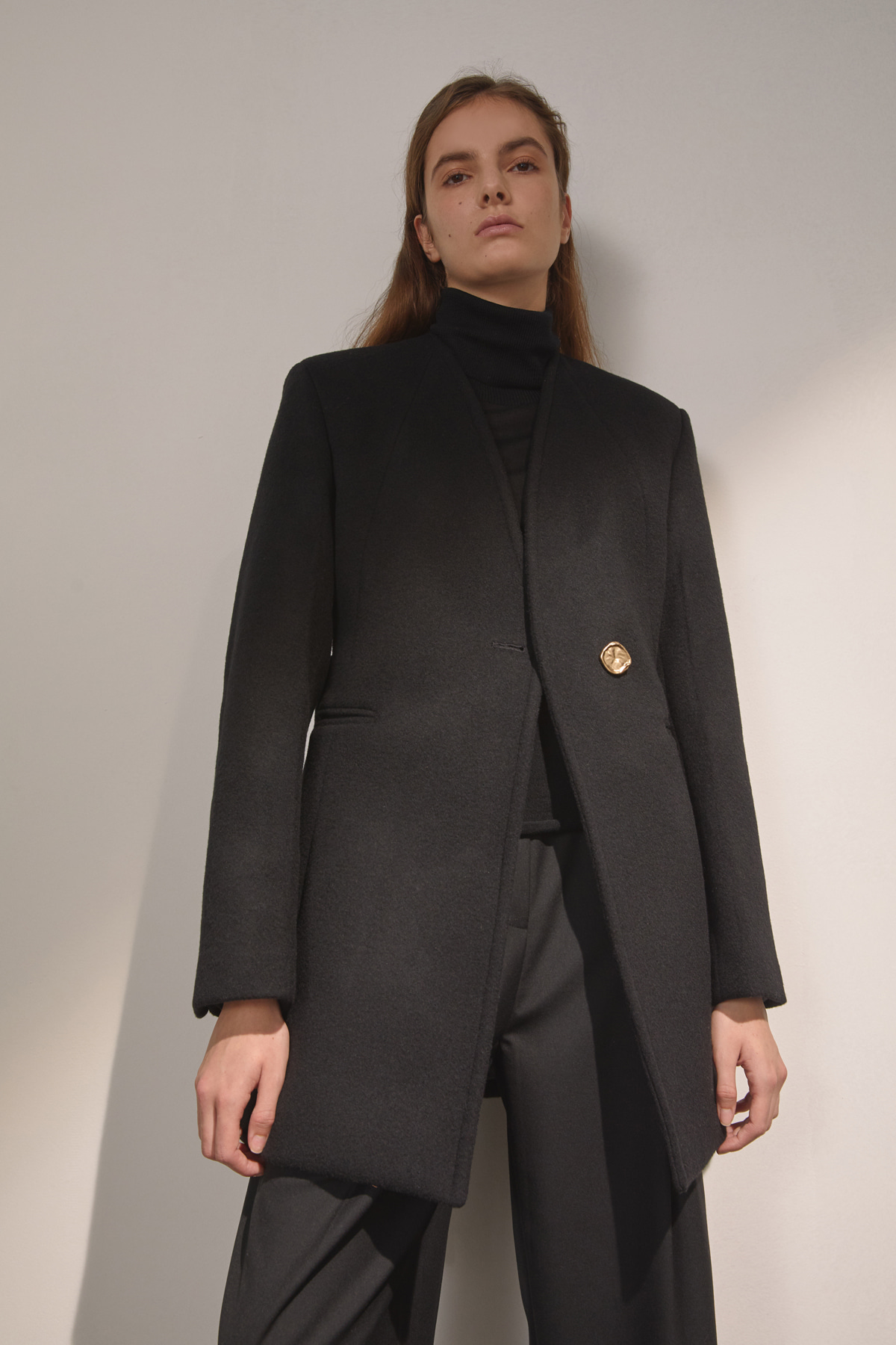 DEMERE COLLARLESS BELTED JACKET (BLACK)