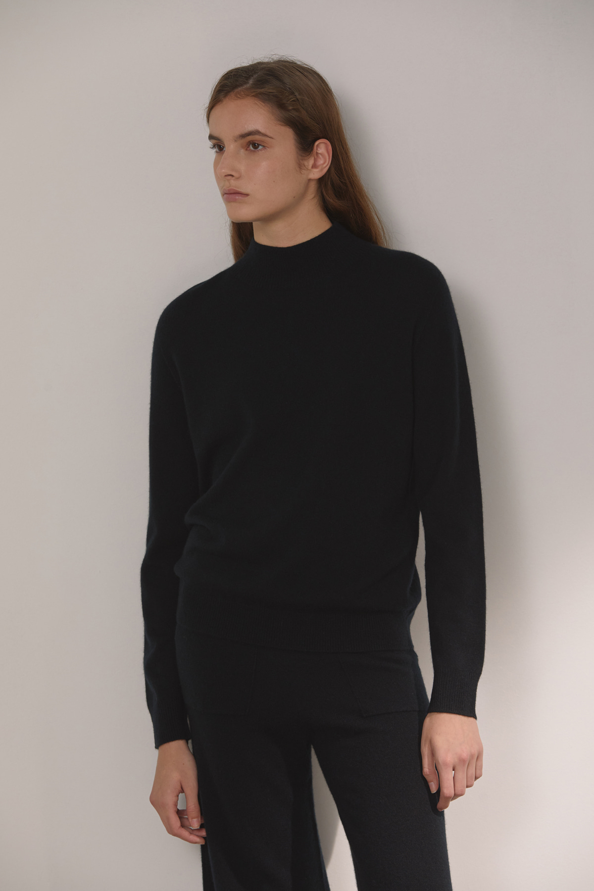DEMERE CASHMERE 100 HIGH-NECK KNIT (BLACK)