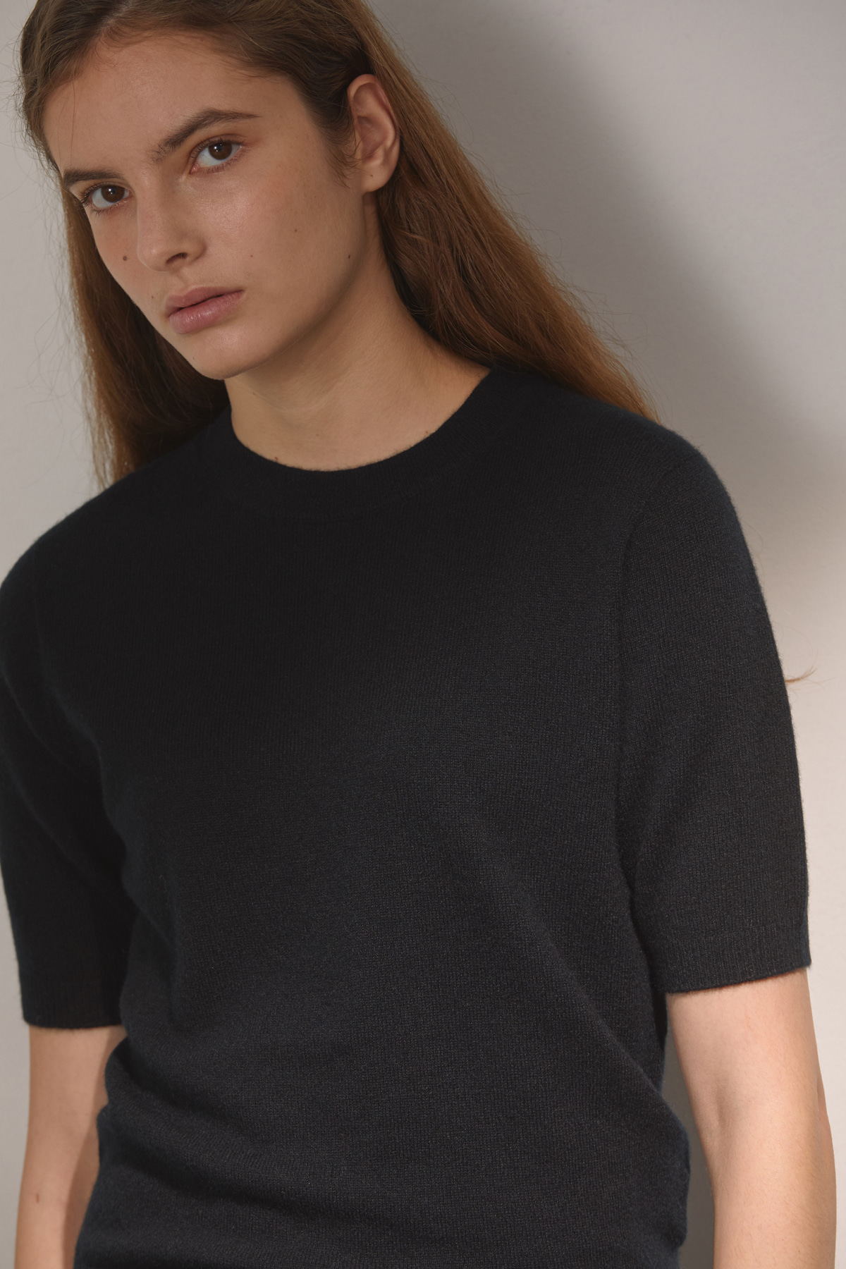 DEMERE CASHMERE 100 HALF-SLEEVED KNIT (BLACK)